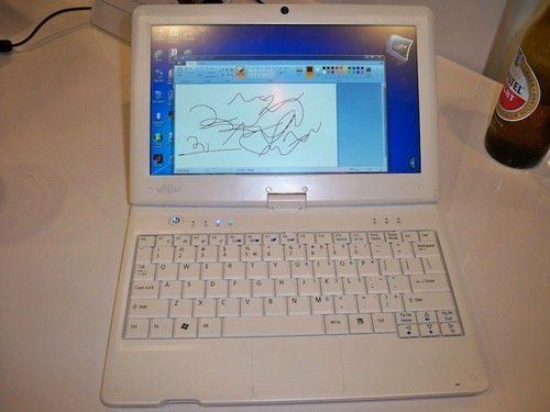 Viliv S10 BLADE Netbook Tablet 3