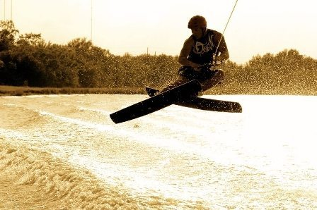 Stereo Wakeski Company Creates New Water Sports Category with 3-Stage Rocker Freestyle Skis
