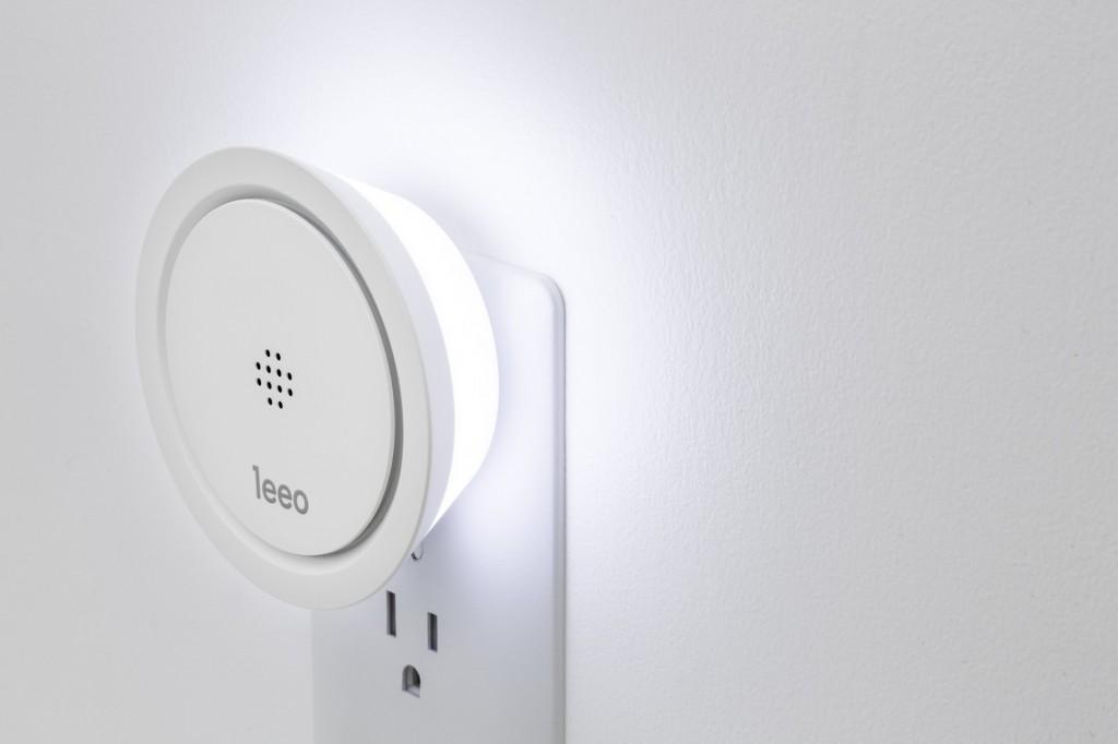 Leeo Smart Alert Nightlight detects smoke