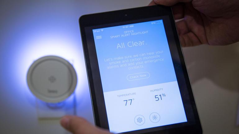 Leeo Smart Alert Nightlight works with tablets
