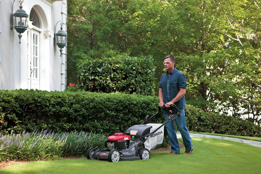 Honda HRX217HZA lawn mower is easy to store