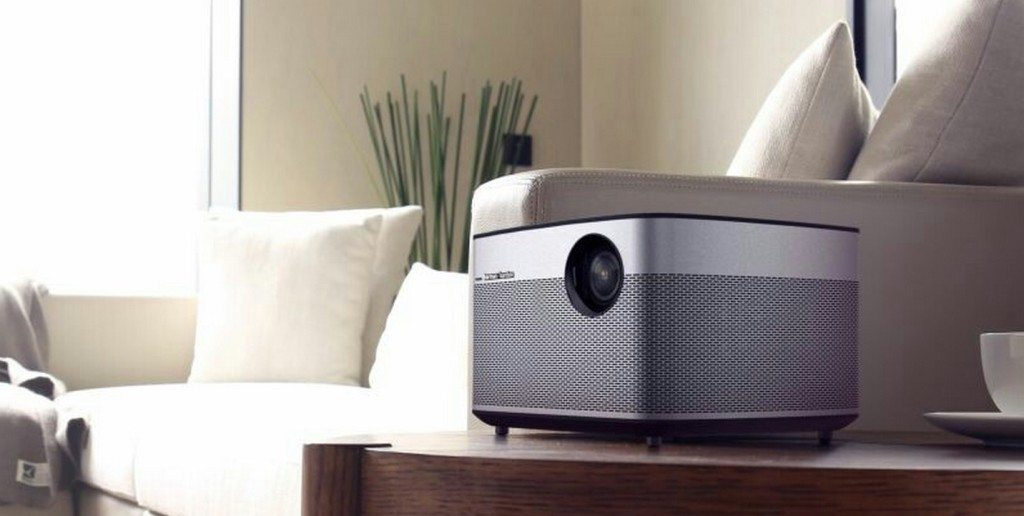 XGIMI H1 is elegant and compact