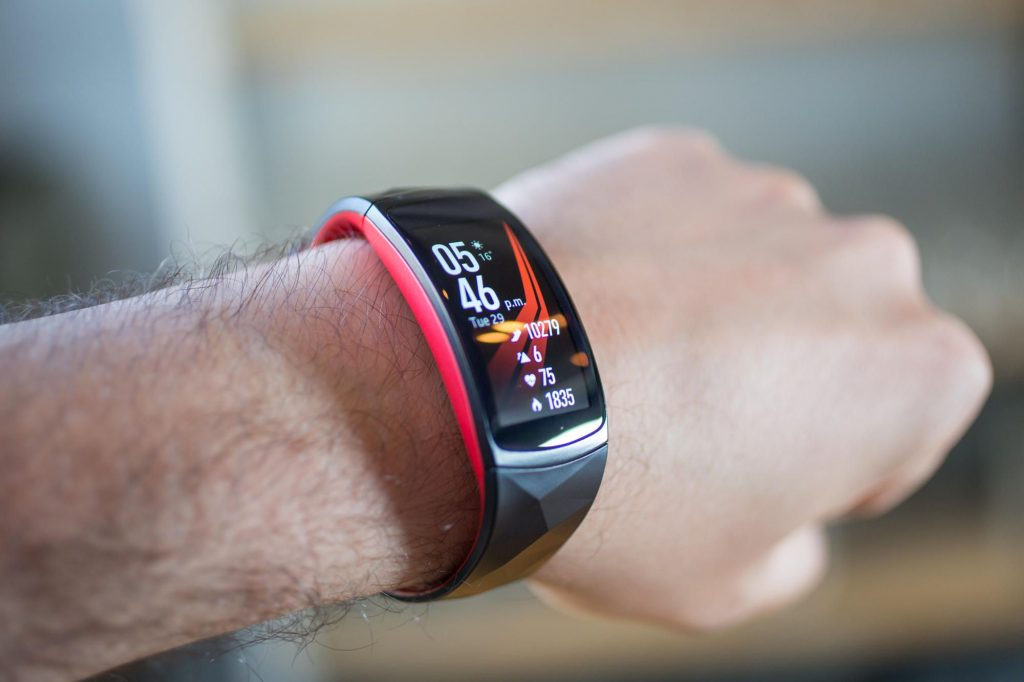 Samsung GearFit2 Pro is one of the fitness trackers