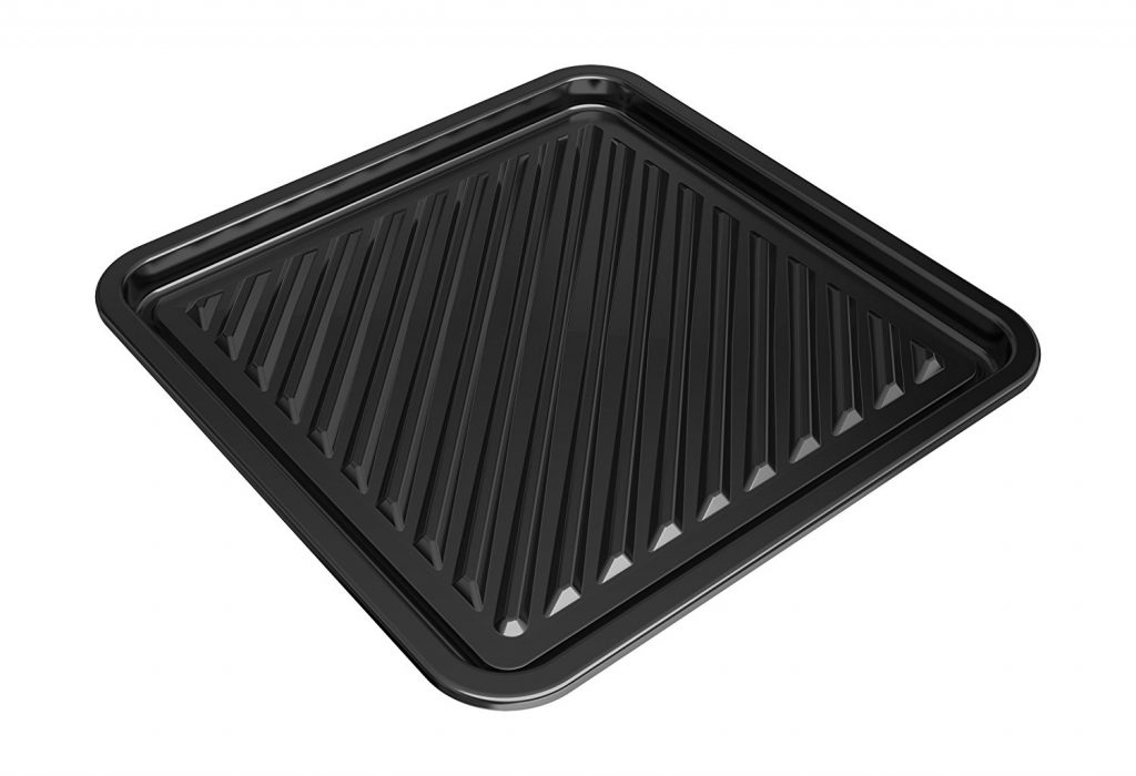 Sharp Superheated Steam Countertop Oven has pans