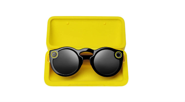 Snapchat Spectacles V2 have charging case