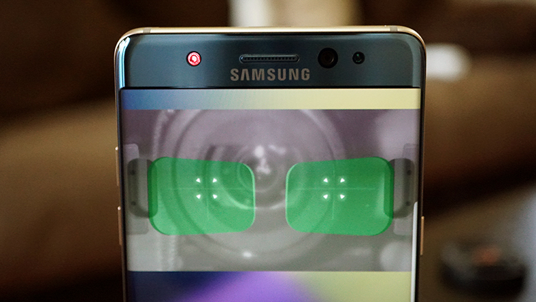 Samsung Galaxy S9 and S9 Plus Intelligent Scan