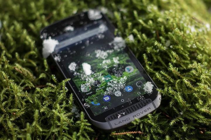 Land Rover Explore Outdoor Smartphone 7