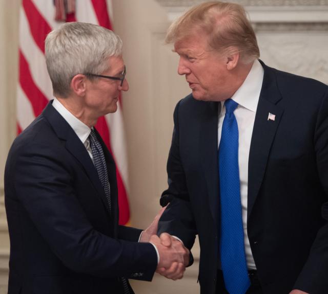 Tim Cook and Trump Talk Tariffs Main