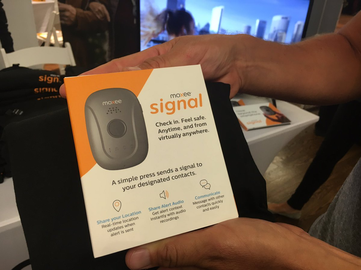 Moxee Signal Personal Safety Wearable