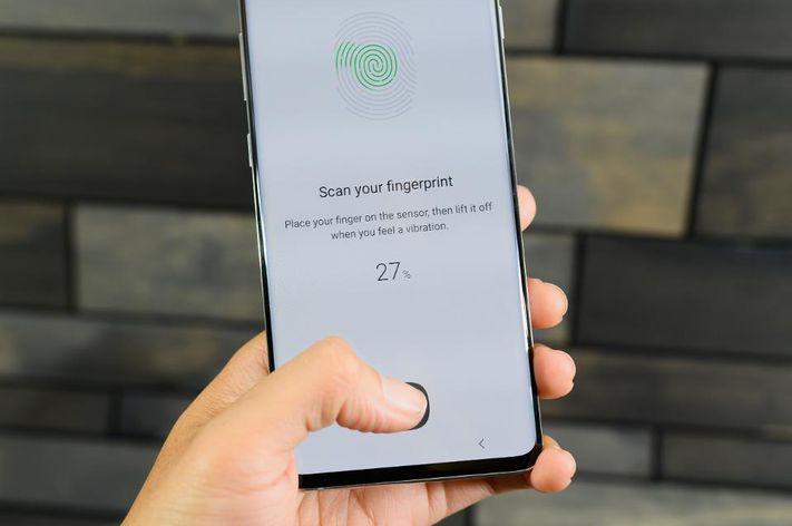 Samsung Fingerprint Security Flaw