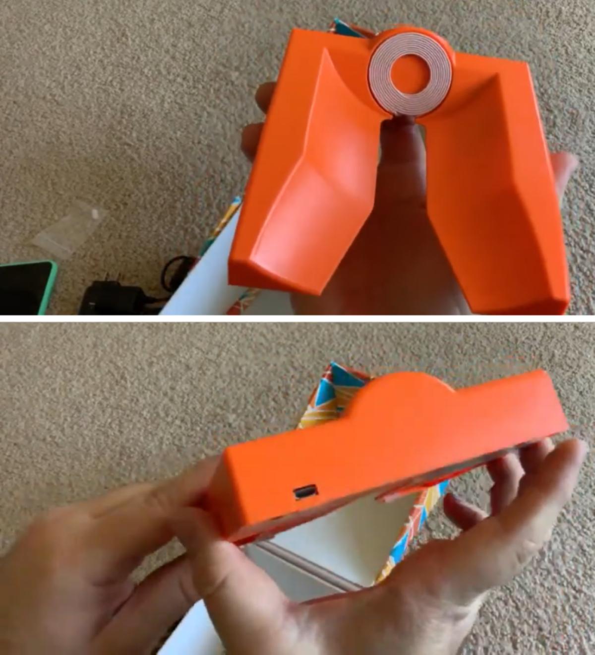 Playdate - Wireless Charging Dock (1)