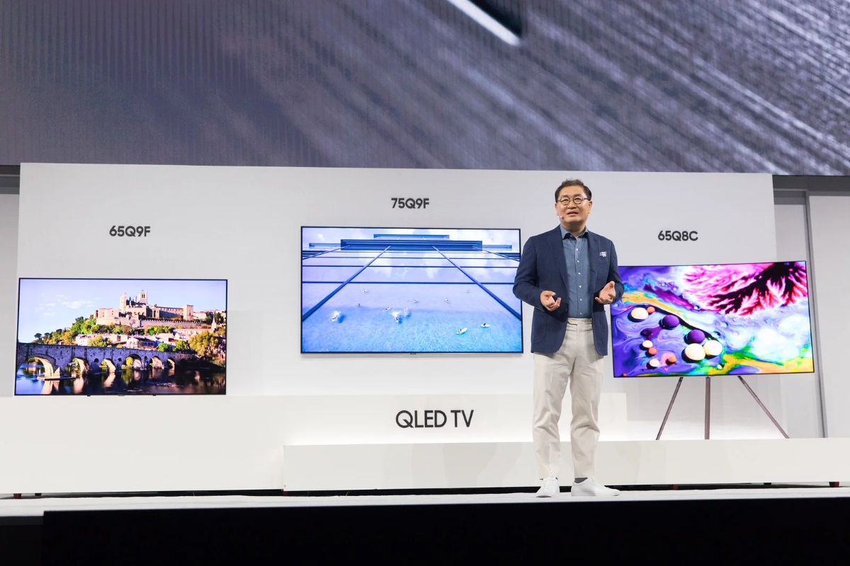 President of Visual Display Business Jonghee Han introducing the new QLED TV2 at Samsung Electronics 2018