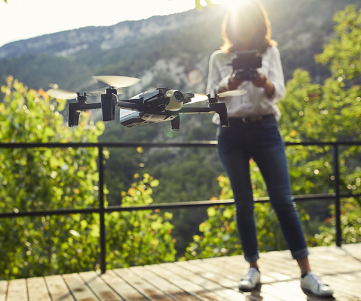 Parrot Anafi 4K HDR Camera Drone - Parrot Skycontroller 3