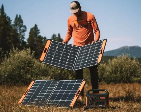 SolarSaga 100W Solar Panels - Set Up