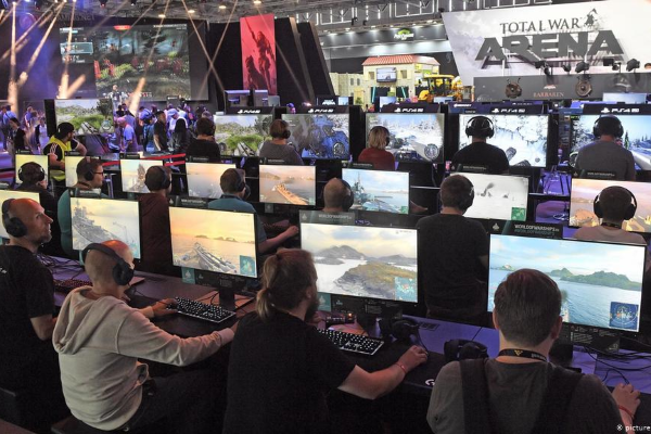 The Gaming Industry - A picture of a Total War Arena Tournament