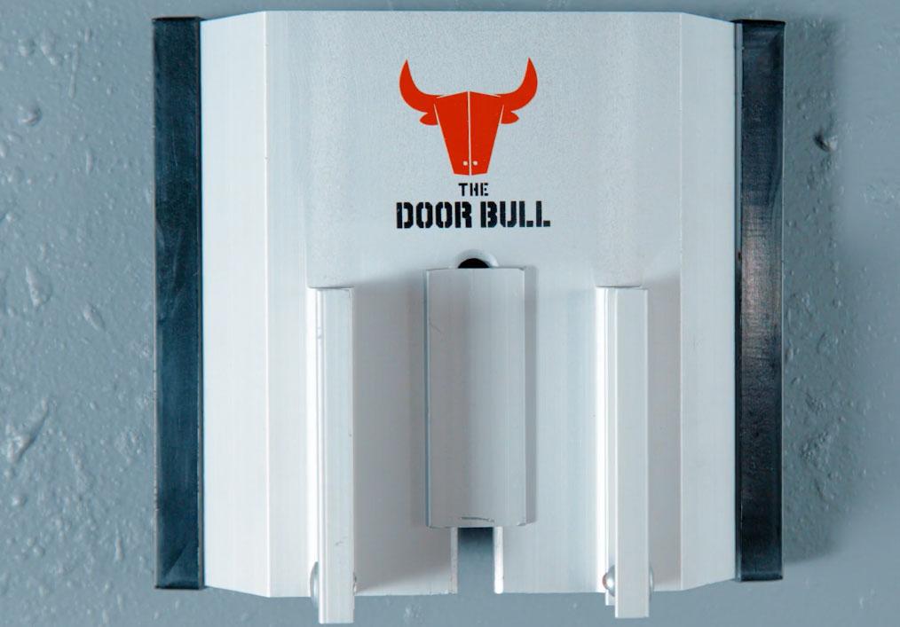 The Aluminum Hanger for the set's dedicated Door Bull Lock